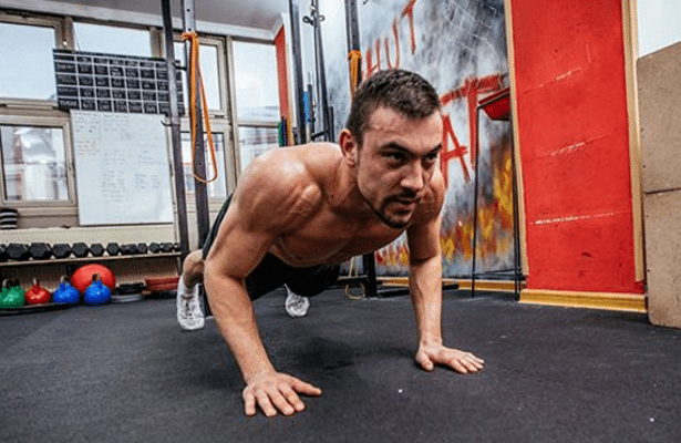 Take this push-up workout challenge, work your chest from
